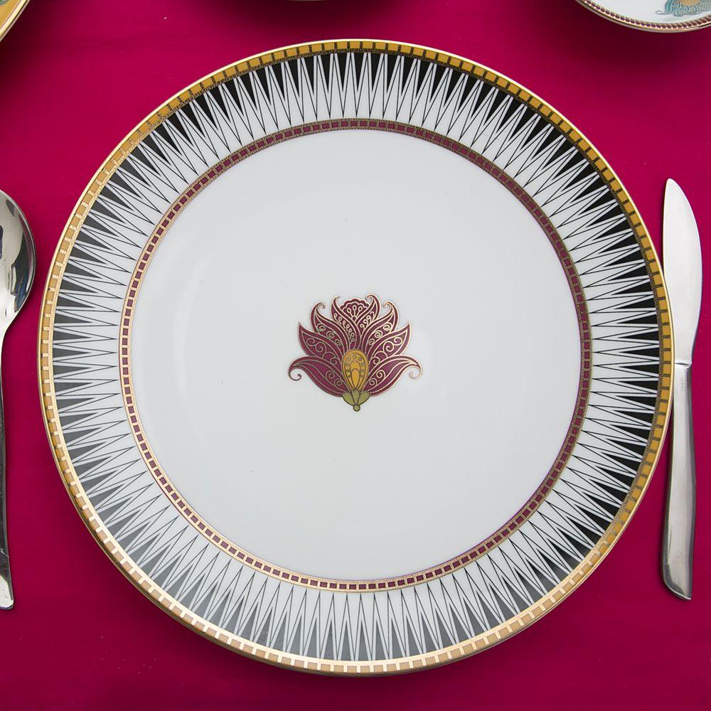 Aquarium Of Flowers Dinner Plate-13415.jpg